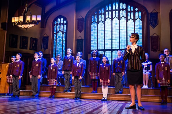Sierra-Bogges-and-the-kids-ensemble-of-School-of-Rock—The-Musical-Photo-by-Matthew-Murphy